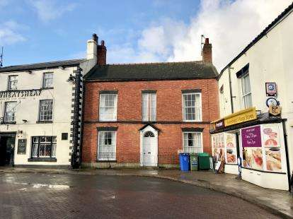 3 Bedrooms Terraced House for sale in Market Place, Swineshead, Boston, Lincolnshire