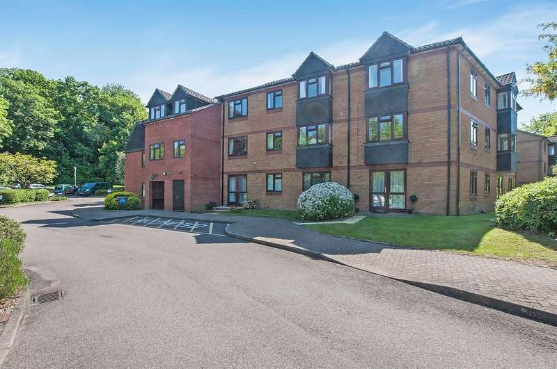 2 Bedrooms Retirement Property for sale in Crescent Dale, Shoppenhangers Road, Maidenhead SL6