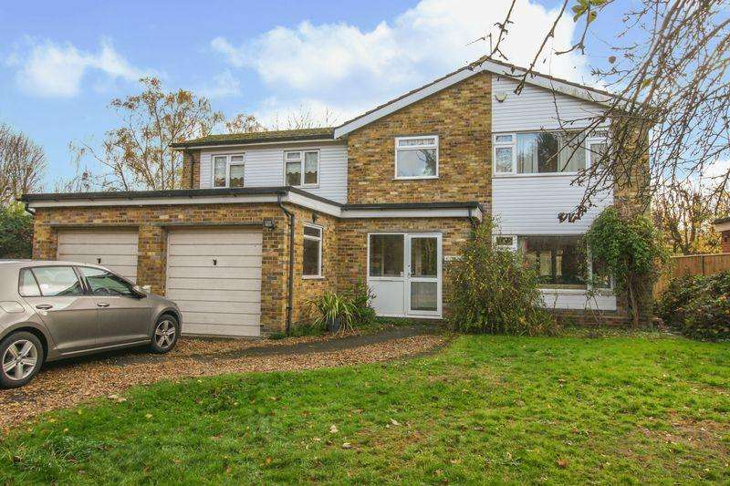 4 Bedrooms Detached House for sale in Cookham Village