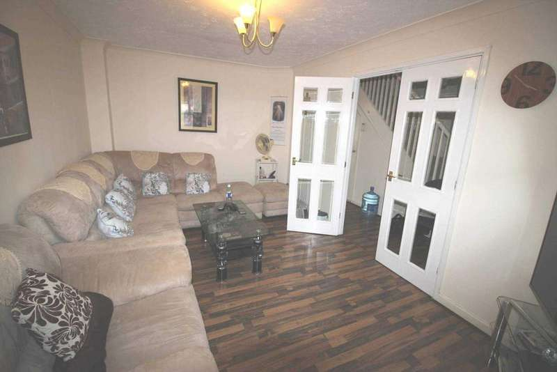 3 Bedrooms Detached House for sale in Ware Point Drive, Thamesmead, London SE28