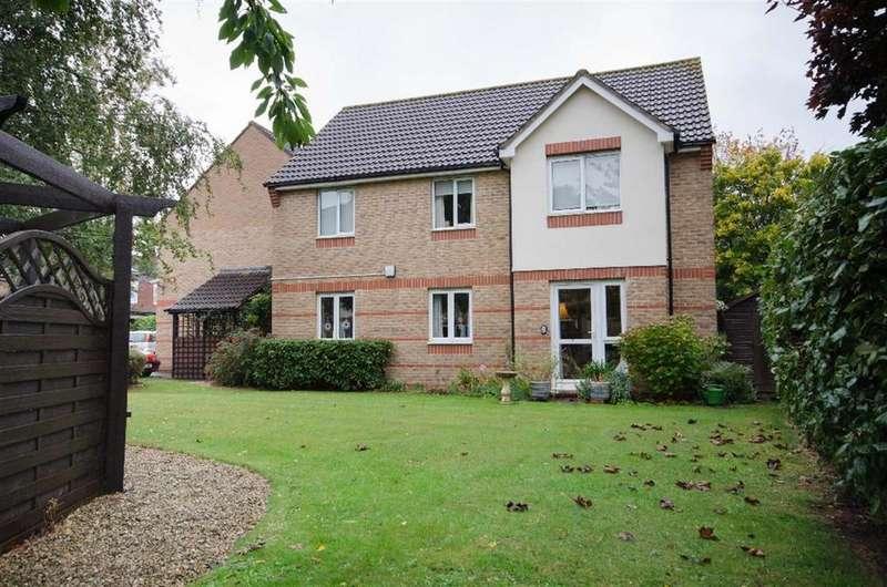 2 Bedrooms Retirement Property for sale in Albert Road, Staple Hill, Bristol, BS16 5HG