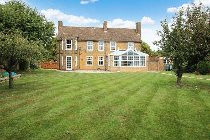 4 Bedrooms Detached House for sale in 8 Trenchard Square, Scampton