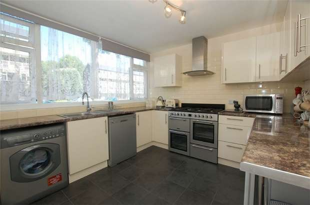 4 Bedrooms Terraced House for sale in River Park Gardens, BROMLEY, Kent