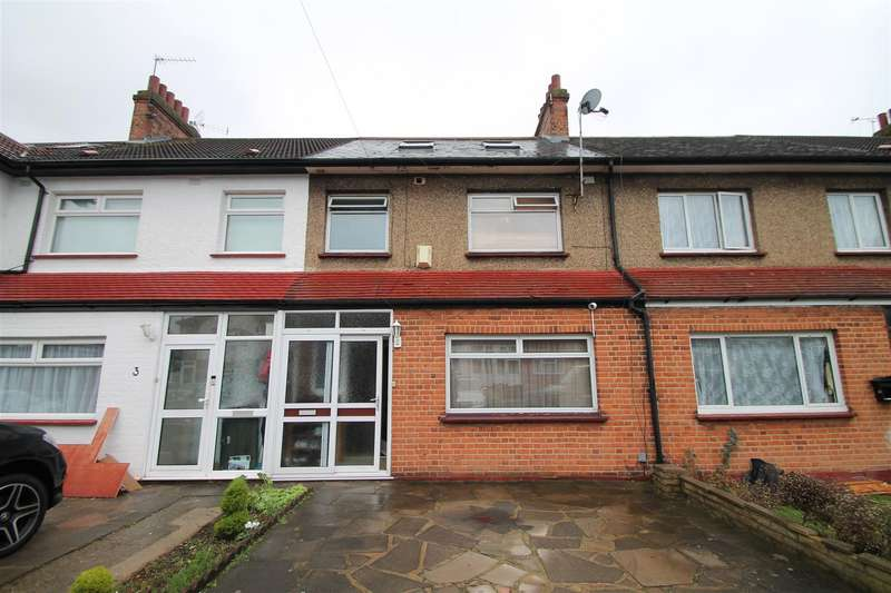4 Bedrooms Terraced House for sale in Lodge Close, London N18