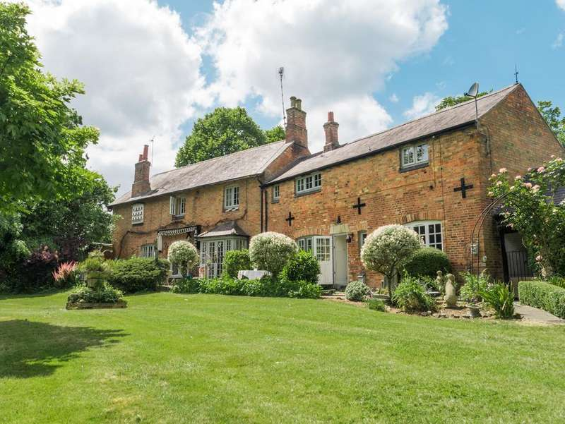 4 Bedrooms Detached House for sale in London Road, Great Glen, Leicestershire, LE8