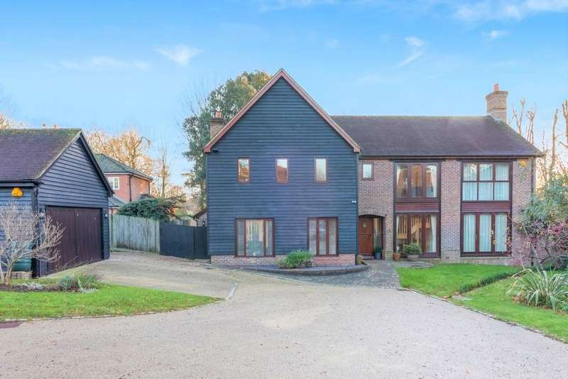 5 Bedrooms Detached House for sale in Convent Gardens, Findon Village BN14 0RZ