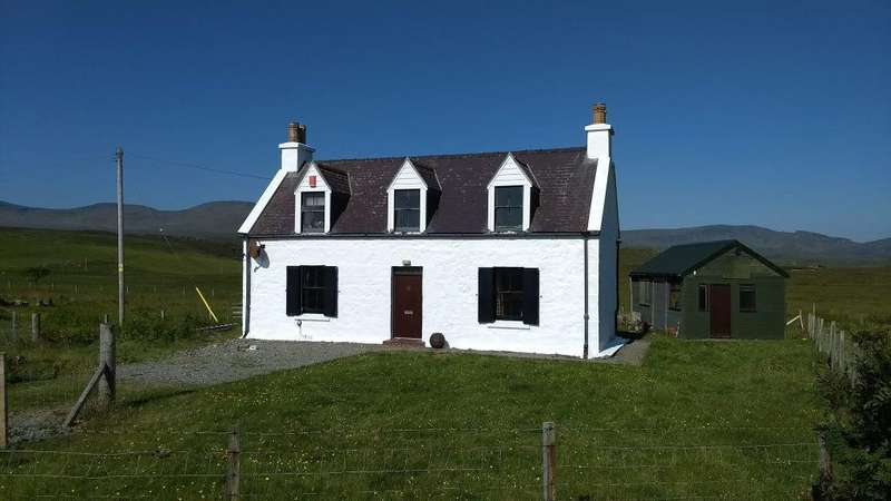 2 Bedrooms Detached House for sale in Valtos, Staffin, Isle of Skye IV51