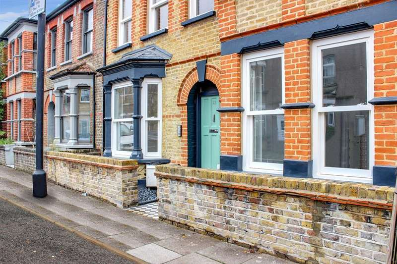 3 Bedrooms Flat for sale in Atherden Road, London, E5