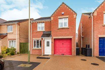 3 Bedrooms Detached House for sale in Pinewood Close, Darlington, County Durham, Darlington
