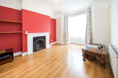 4 Bedrooms Terraced House for sale in Kingsdown Road, Archway, London