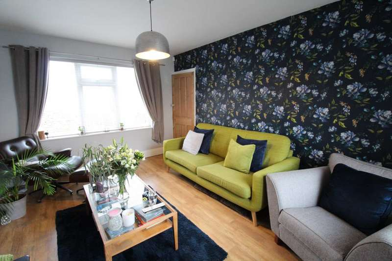 2 Bedrooms Terraced House for sale in Willow Road, Prestwich