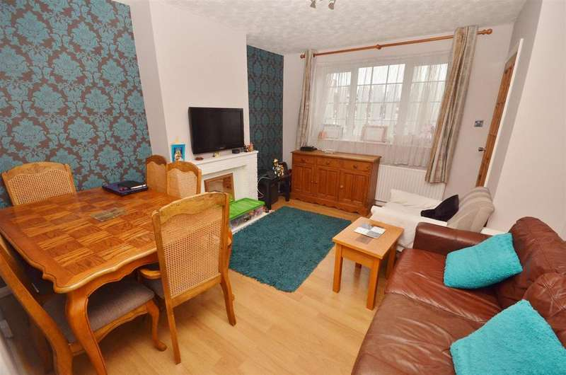 2 Bedrooms Terraced House for sale in Solway Road South, Biscot Area, Luton