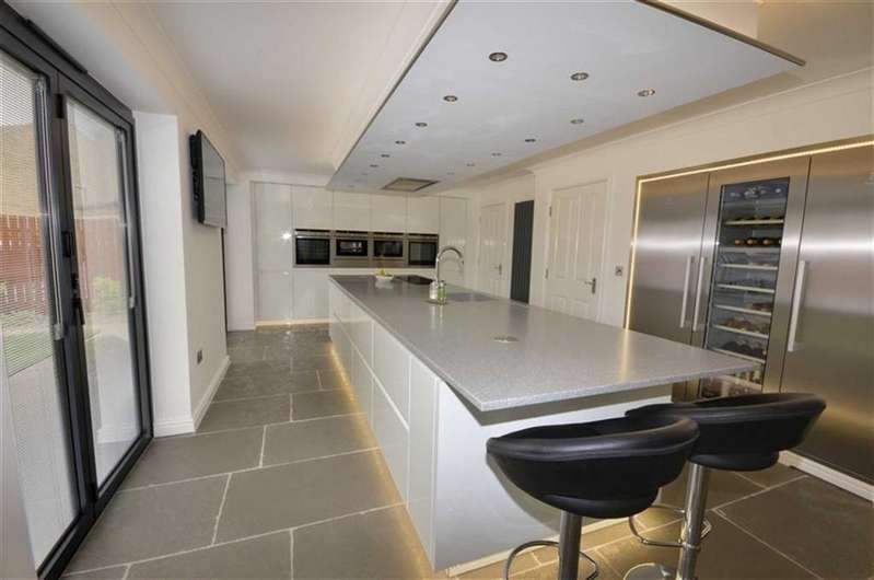 6 Bedrooms Detached House for sale in Westwinds, Ackworth, Pontefract, WF7