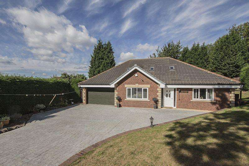 4 Bedrooms Detached Bungalow for sale in Briar Lane, Throckley, Newcastle upon Tyne