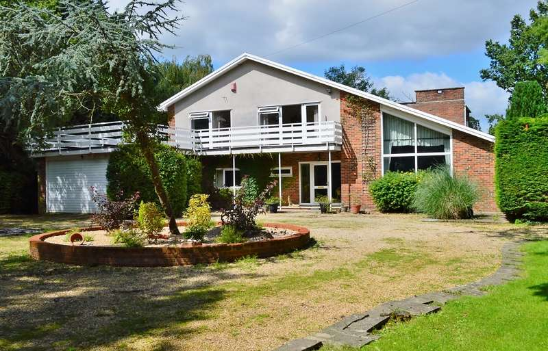 5 Bedrooms Detached House for sale in New Street, Stratfield Saye