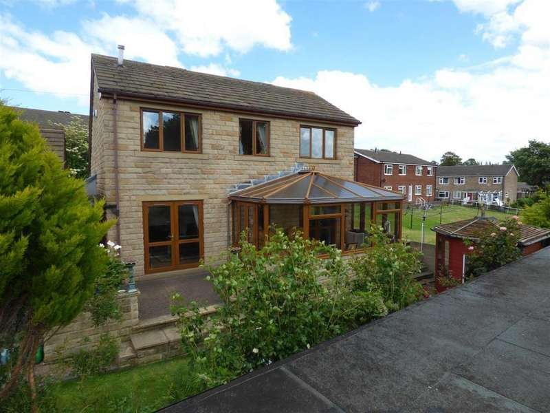 4 Bedrooms Detached House for sale in Crowther Road, Mirfield, WF14 9RE
