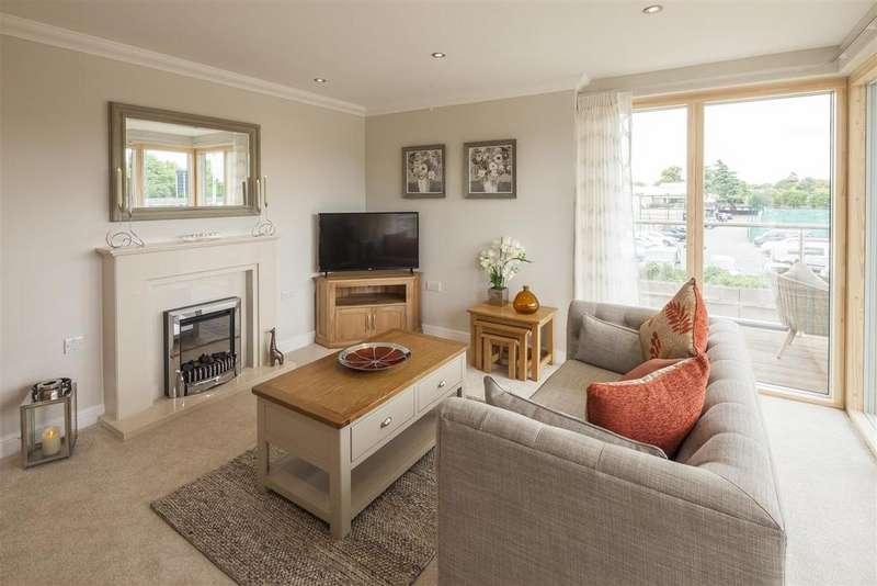 1 Bedroom Apartment Flat for sale in Helston Lane, Windsor