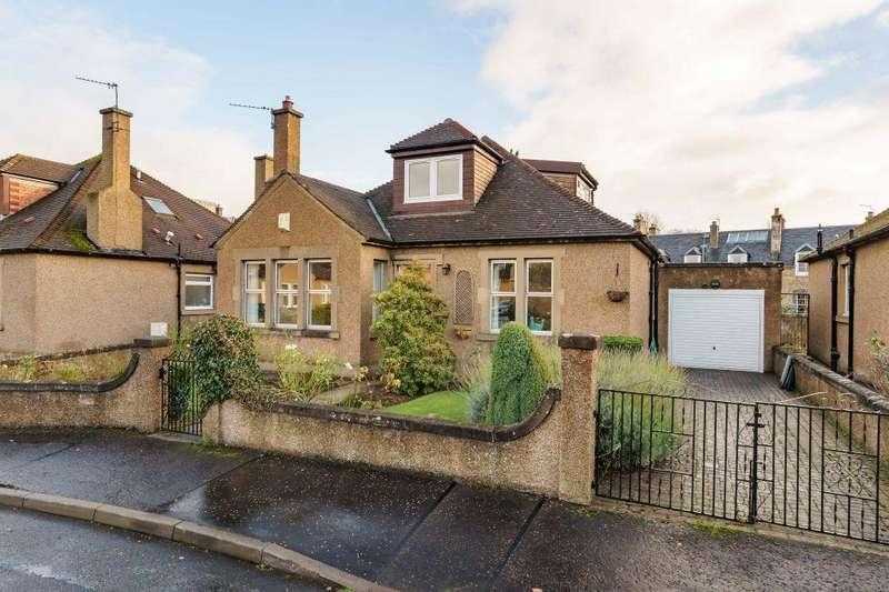 4 Bedrooms Detached Bungalow for sale in 8 Woodside Gardens, Musselburgh, EH21 7LJ