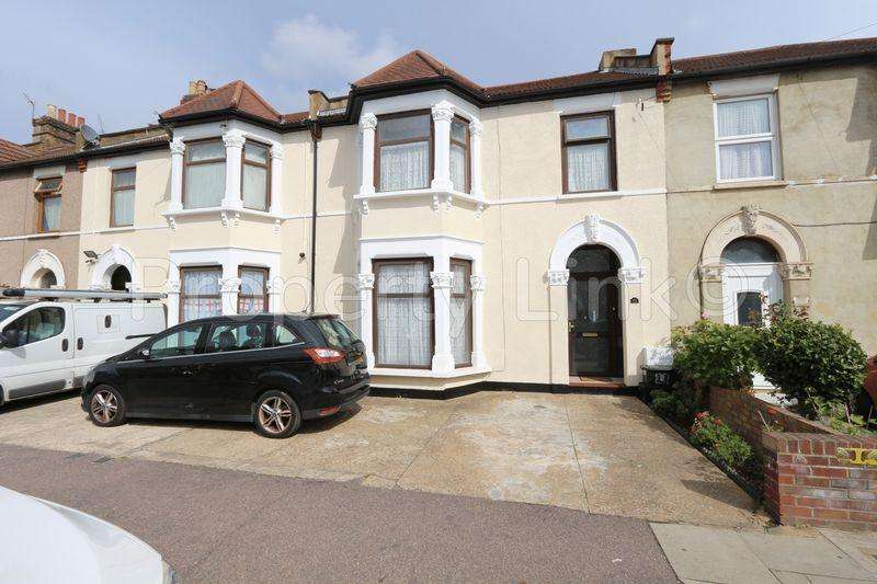 4 Bedrooms Terraced House for sale in Seven Kings Road, Ilford