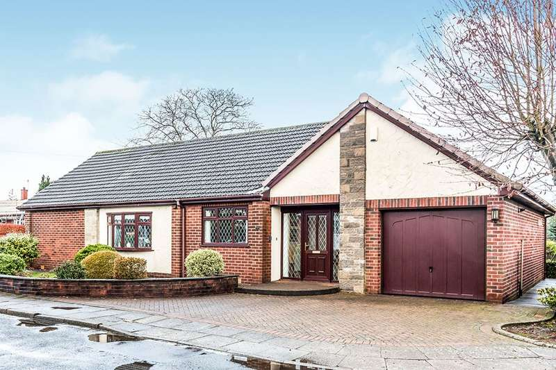 3 Bedrooms Detached Bungalow for sale in Spen Fold, Bury, BL8