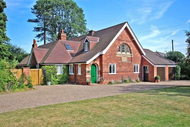 4 Bedrooms Detached House for sale in Burntstump Hill, Arnold, Nottingham