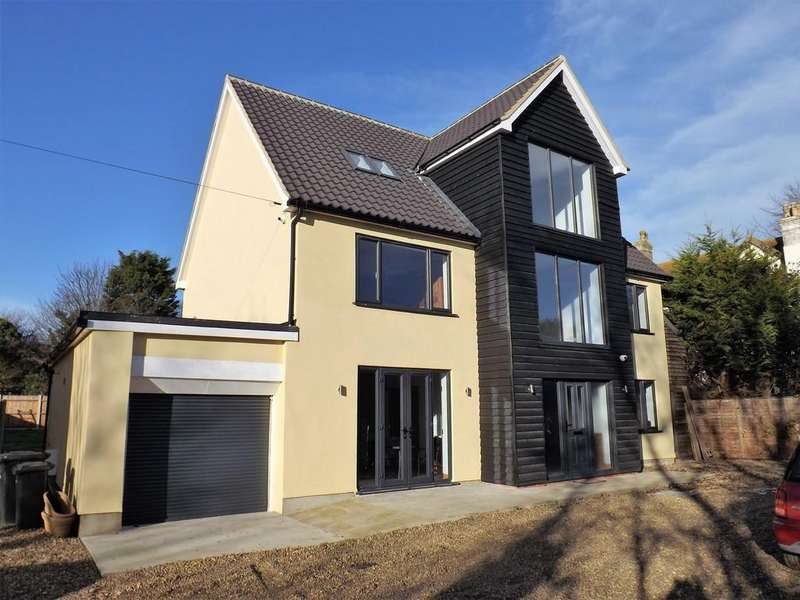 6 Bedrooms Detached House for sale in Sea Melody, Kessingland