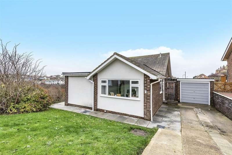3 Bedrooms Detached Bungalow for sale in Hawth Close, Seaford
