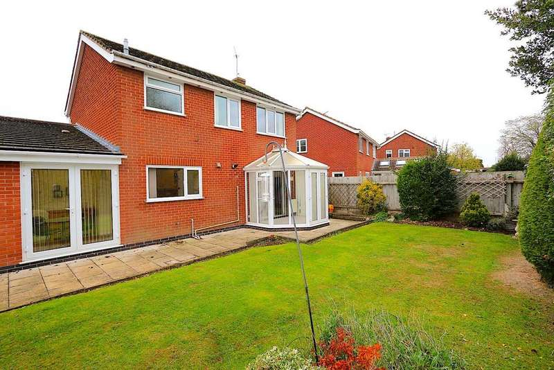 4 Bedrooms Detached House for sale in Seymour Way, Leicester Forest East