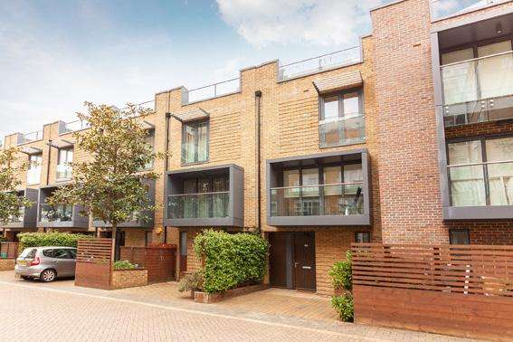 4 Bedrooms House for sale in Bromyard Avenue, London