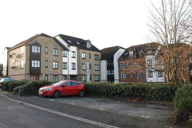 1 Bedroom Flat for sale in The Ridings, Luton, LU3