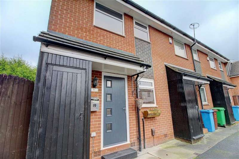 2 Bedrooms Mews House for sale in Hollingworth Avenue, New Moston, Manchester