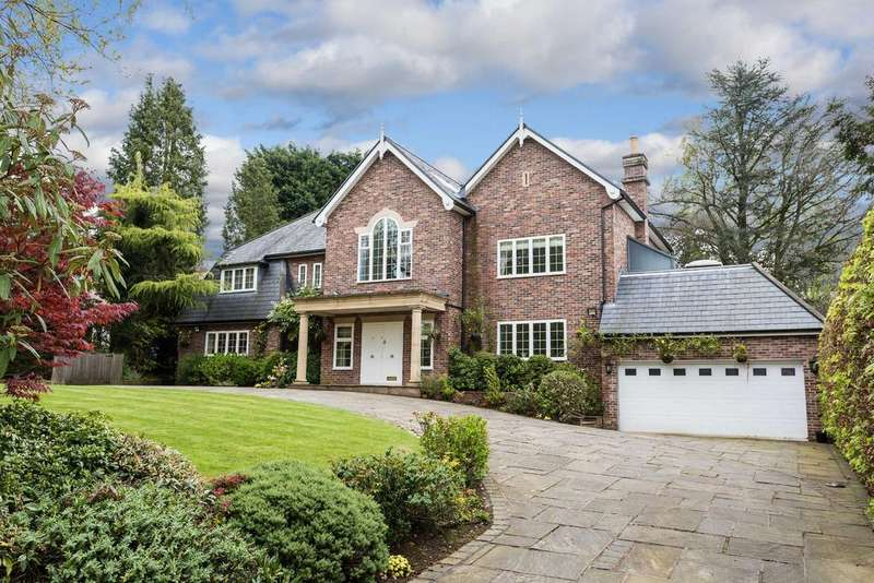 5 Bedrooms Detached House for sale in Carrwood, Hale Barns, Cheshire, WA15