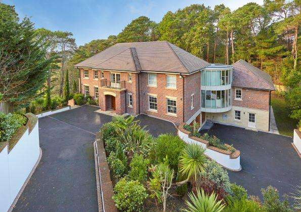 6 Bedrooms Detached House for sale in Haig Avenue, Canford Cliffs, Poole, Dorset BH13