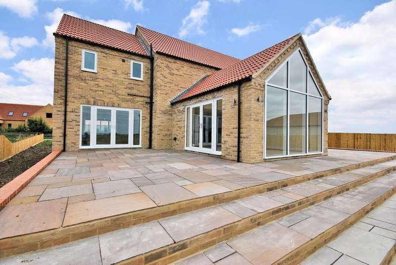 5 Bedrooms Detached House for sale in Barroway Drove