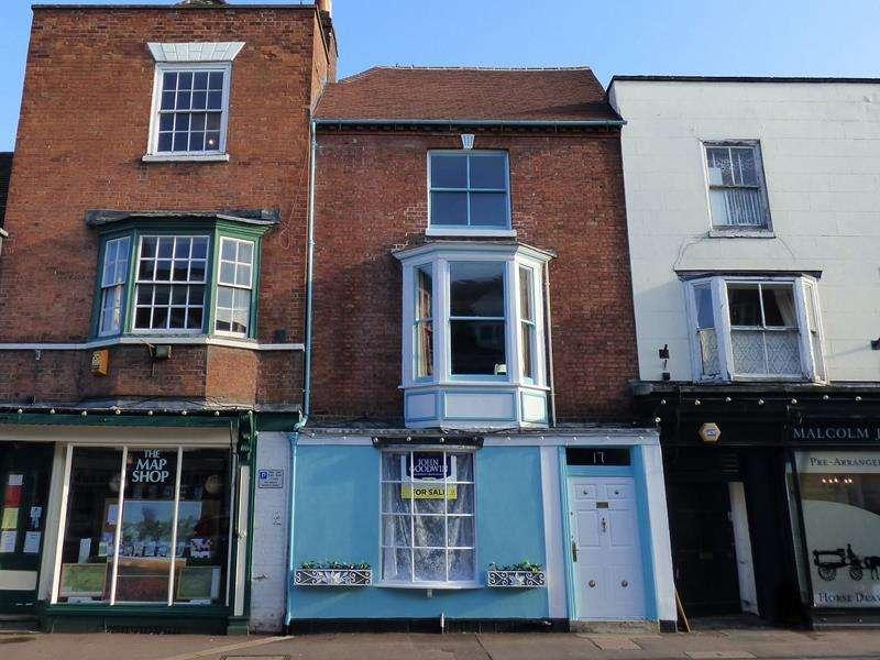 4 Bedrooms Terraced House for sale in Hamstead House, 17 High Street, Upton upon Severn, Worcestershire, WR8 0HJ