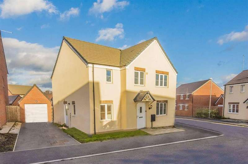 5 Bedrooms Detached House for sale in Lee Road, Harlestone Manor