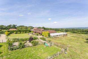 4 Bedrooms Equestrian Facility Character Property for sale in Street End Lane, Broad Oak, Heathfield, East Sussex