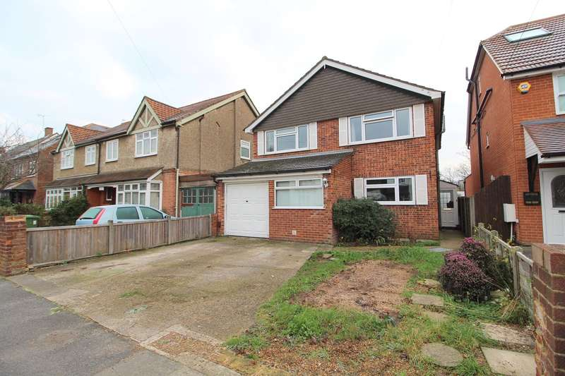 4 Bedrooms Detached House for sale in Station Crescent, Ashford, TW15