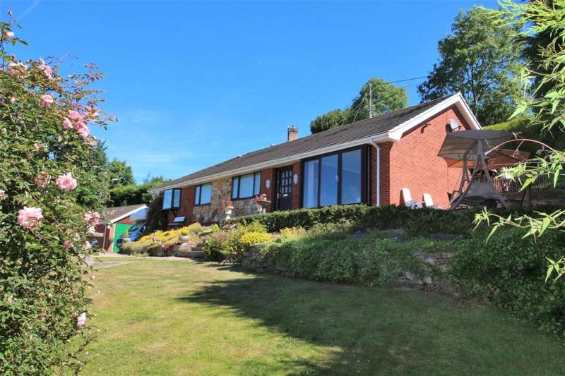 4 Bedrooms Bungalow for sale in Middle Road, Coedpoeth, Wrexham, LL11