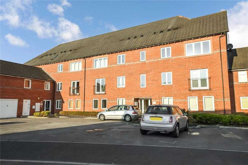 2 Bedrooms Apartment Flat for sale in Mountsorrel Road, West Timperley, Altrincham, Cheshire, WA14