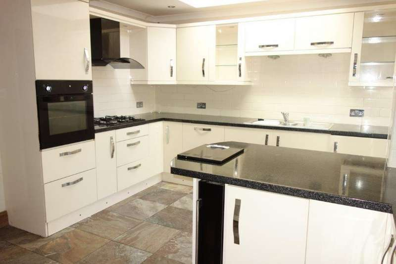 3 Bedrooms Terraced House for sale in Clark Street, Treorchy