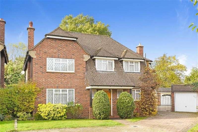 4 Bedrooms Detached House for sale in The Gardens, Beckenham, Kent