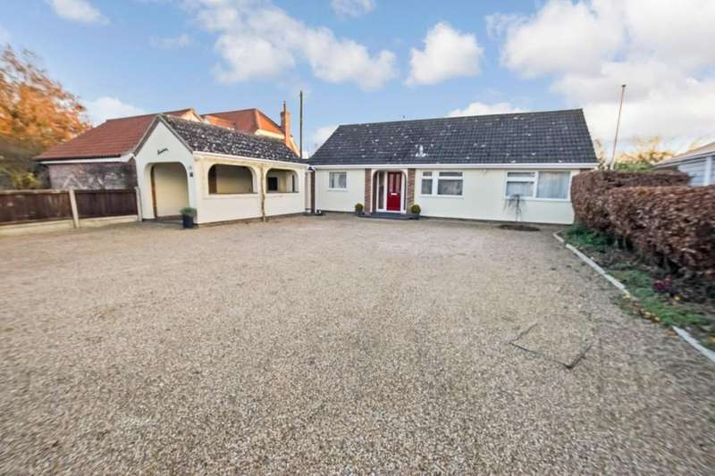 3 Bedrooms Detached Bungalow for sale in High Road, Leavenheath, CO6 4NZ