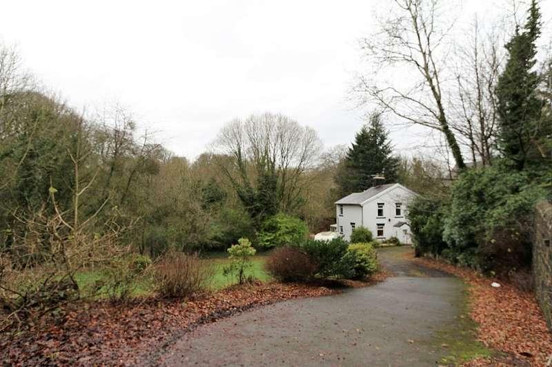 3 Bedrooms Detached House for sale in 744 Preston Old Road, Feniscowles, Blackburn, Lancashire, BB2 5EN
