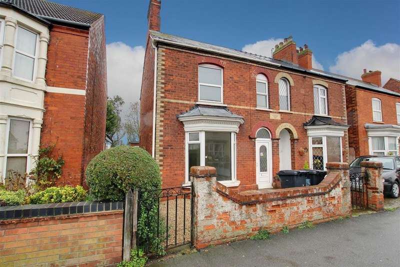 4 Bedrooms Semi Detached House for sale in Victoria Road, Mablethorpe,Lincolnshire