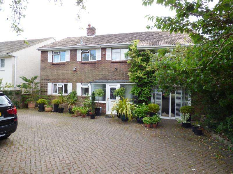5 Bedrooms Detached House for sale in Seafront, Hayling Island