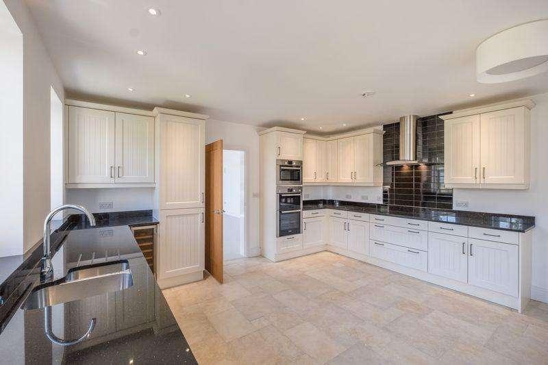 4 Bedrooms Detached House for sale in Longlands Farm, Bembridge