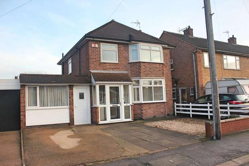 3 Bedrooms Detached House for sale in Willow Park Drive, Wigston, Leicester