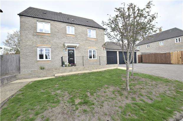 4 Bedrooms Detached House for sale in Jays Close, Kingswood, BS15 9QS