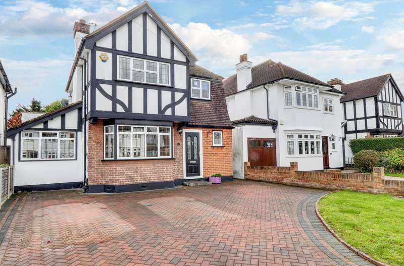 4 Bedrooms Property for sale in Tudor Way, Uxbridge
